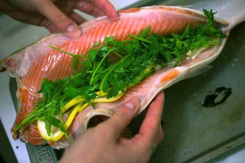 how to cut whole salmon